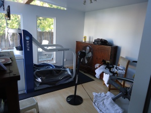 Amol Saxena uses an AlterG treadmill in a pressurized room that mimics high-altitude conditions.