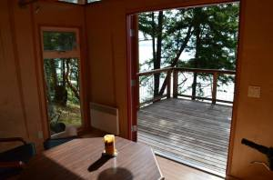 A quaint Modern-Shed on Orcas Island, with views of the water.