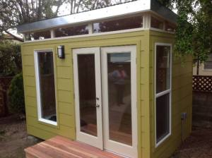 In less than three days, Kimberli's Modern-Shed home office went up.