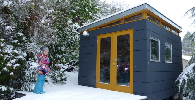 modern_shed_outdoor_snow